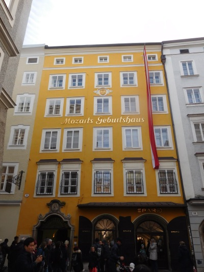 And of course Mozart's birth house! It took us a while to find it but finally there it was right in the centre of the city!